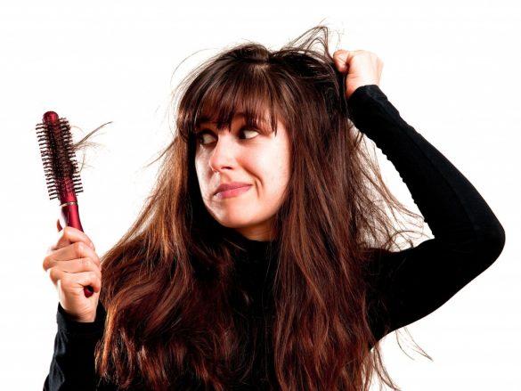 Выпадение волос – как с этим бороться?